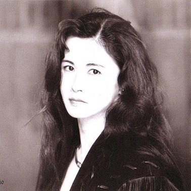 """是她的一段介绍打动了我,""""中岛美雪和吉田拓郎,年轻时曾为恋人,"""